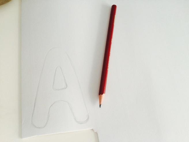 Dibujar letras en goma EVA