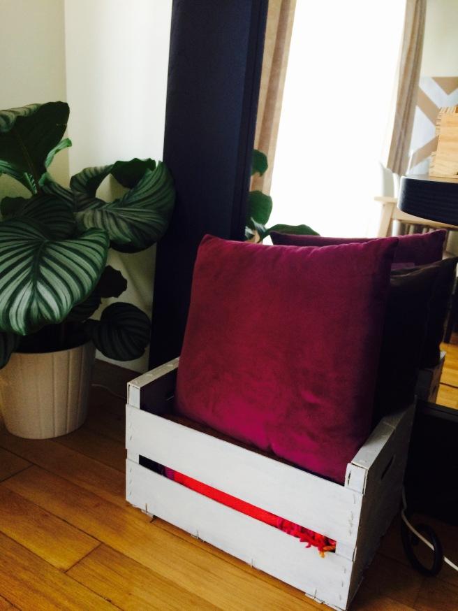 Caja decorativa para mantas y cojines