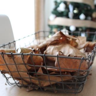 cesta hojas secas