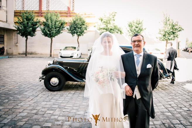 boda-joseba-y-maca-entrada-novia