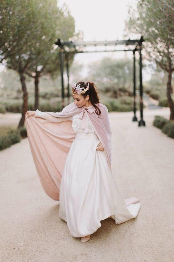 novia-boda-de-invierno-con-capa-danae-tobajas