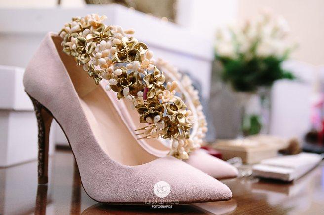 zapatos_y_tiara_boda_sevilla